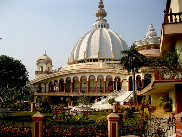 Mayapur photos, ISKCON Temple - The beautiful exterior of the ISKCON Temple