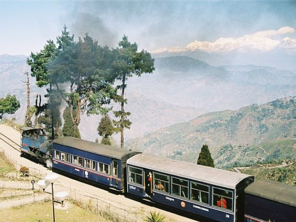 Darjeeling photos, Darjeeling Himalayan Railway - An Excursion Train at the tracks of Darjeeling Himalayan Railway