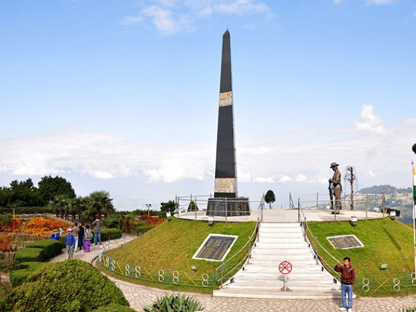 Darjeeling photos, Batasia Loop and War Memorial - The tall structure of the war memorial at Darjeelingmk