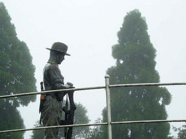 Darjeeling photos, Batasia Loop and War Memorial - The War Memorial Statue