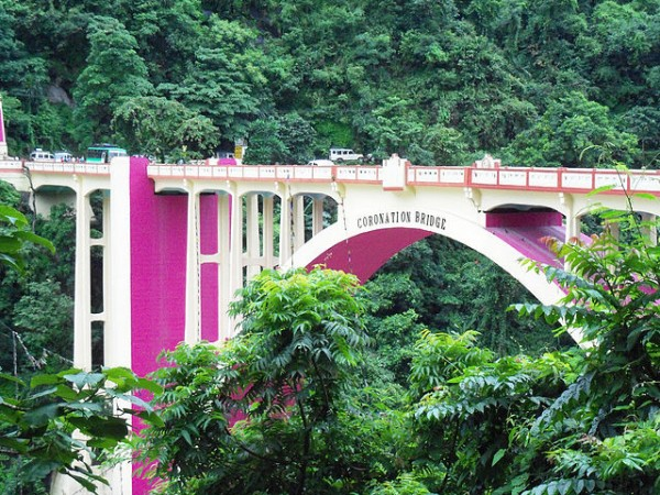 Siliguri photos, Coronation Bridge - Greens and Pinks