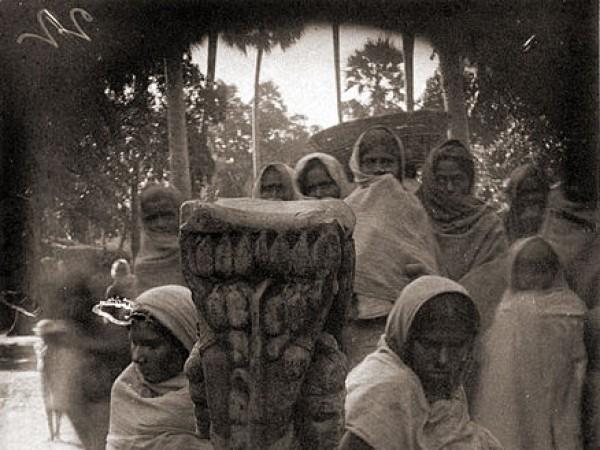 Patna photos, Agam Kuan - Statue of Matrikas
