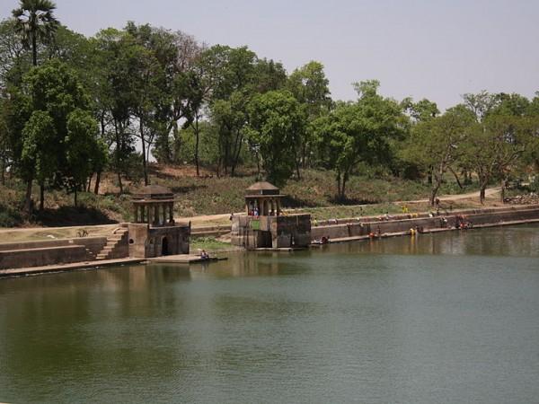 Patna photos, Maner Sharif - The Tank