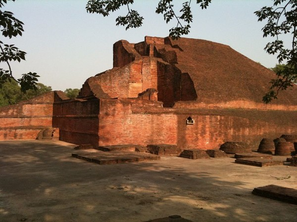 Nalanda photos, Nalanda University Ruins - The main Mound