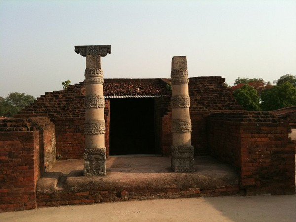 Nalanda photos, Nalanda University Ruins - Stonee Pillar