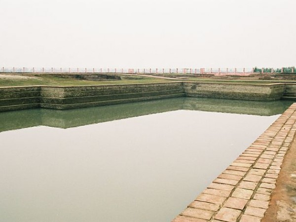 Vaishali photos, Coronation Tank - Clear View