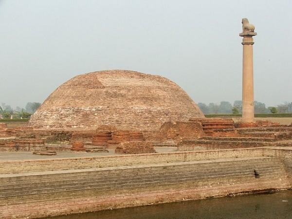 Vaishali photos, Ananda Stupa - Stupa near to the Pillar