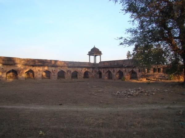 Rohtas photos, Rohtasgarh Fort - Barracks rohtas