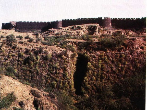 Rohtas photos, Rohtasgarh Fort - Hill on which Rohtas is built