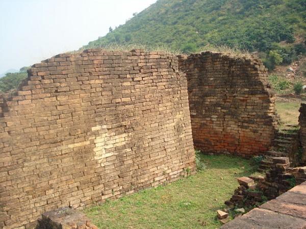 Rajgir photos, Jarashand ka Akhara - Walls