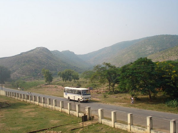 Rajgir photos, Jarashand ka Akhara - View of the Hills