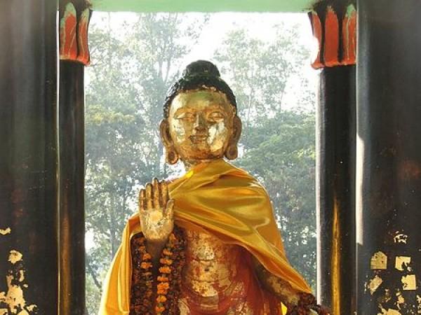 Rajgir photos, Venu Vana - Buddha Statue