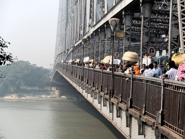 Kolkata photos, Howrah Bridge - A View at Daytime