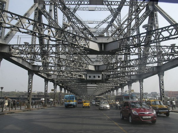 Kolkata photos, Howrah Bridge - The Steel Structure