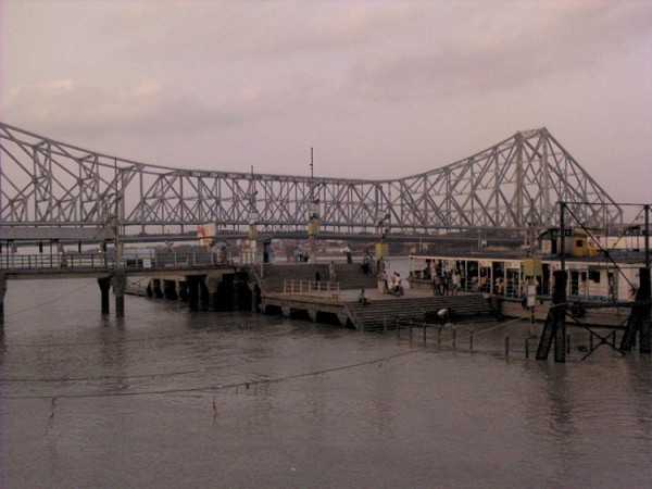 Kolkata photos, Howrah Bridge - View from a Steamer