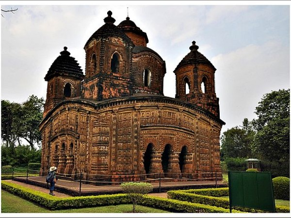 Bishnupur-West Bengal photos, Shyam Rai Temple - Bright and Beautiful