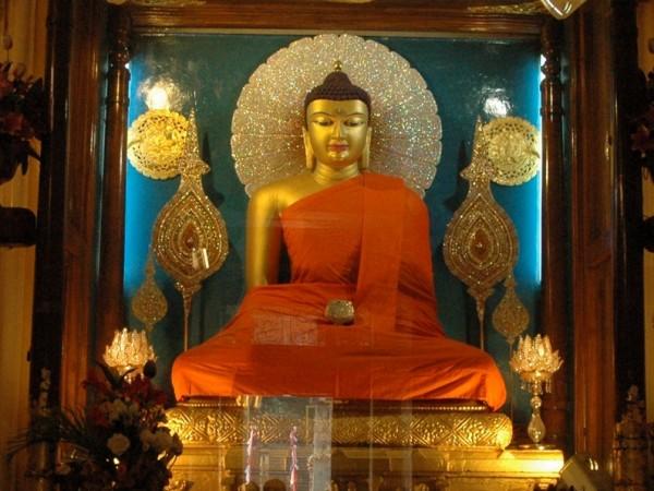 Bodh Gaya photos, Mahabodhi Temple - The Budhha Statue