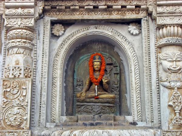 Bodh Gaya photos, Mahabodhi Temple - The sculpture of Buddha