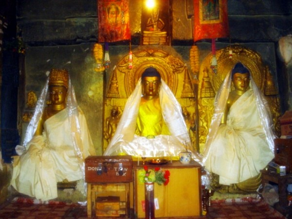 Bodh Gaya photos, Mahabodhi Temple - Idols