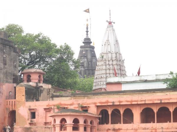 Bodh Gaya photos, Vishnupad Temple - The Rear view