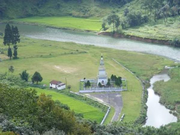 Jaintia Hills photos, Kiang Nongbah Monument - Tourist