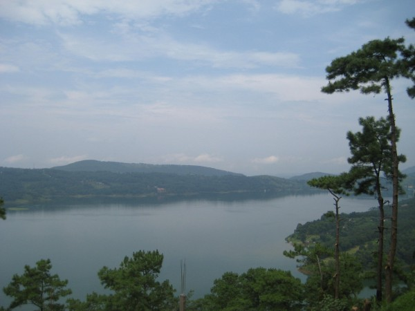 Ri Bhoi photos, Umiam Lake - The Greenery around Lake