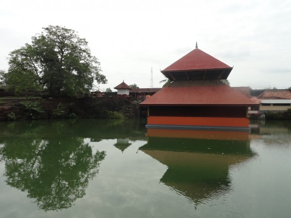Bekal photos, Ananthapura Temple - Reflections