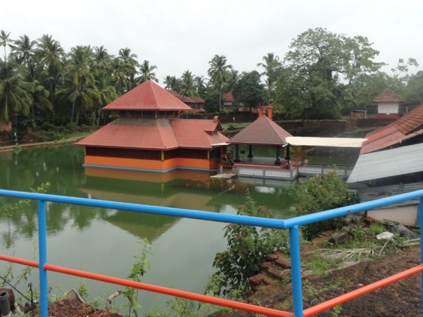 Bekal photos, Ananthapura Temple - Railings