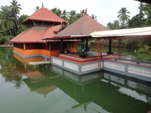 Bekal photos, Ananthapura Temple - Lake