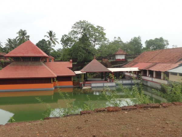 Bekal photos, Ananthapura Temple - Front View
