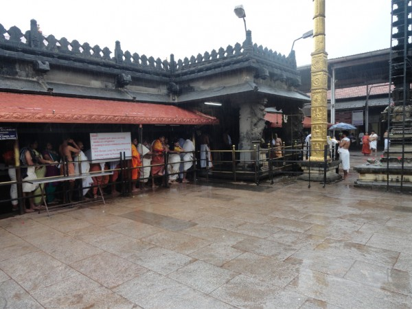 Kollur photos, Mookambika Temple - Queue please!