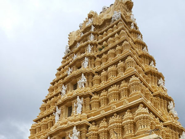 Mysore photos, Chamundi Hills - Beautiful View of the Gopuram
