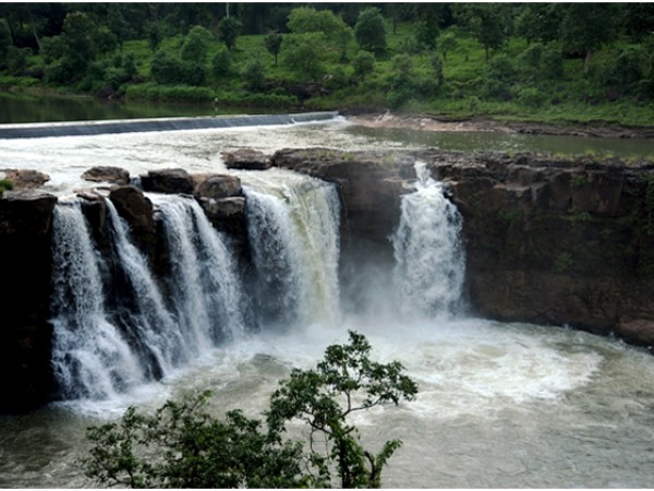 Saputara photos, The Gushing Falls