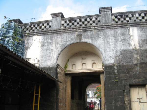 Coorg photos, Madikeri Fort - An Arched Entrance