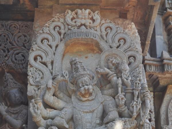 Halebid photos, Hoysaleshwara Temple - Ugra Narasimha