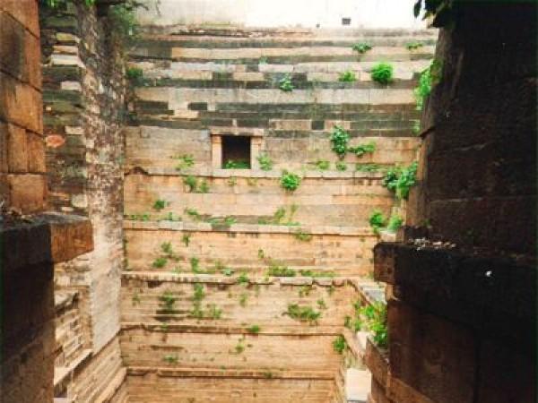 Gadag photos, Trikuteshwara Temple Complex - Echoing Silence