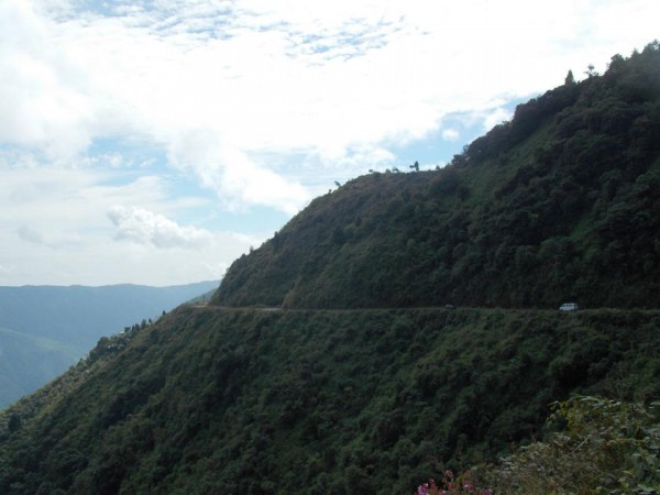 Shillong photos, road side