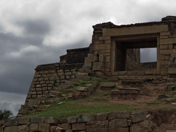 Bangalore photos, Devanahalli Fort - side view