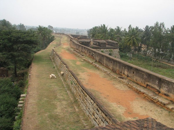 Bangalore photos, Devanahalli Fort - lane