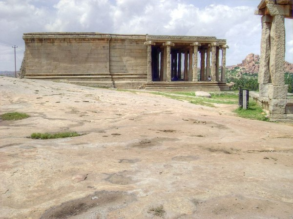 Hampi photos, Kadalekalu Ganesha Temple - Far view