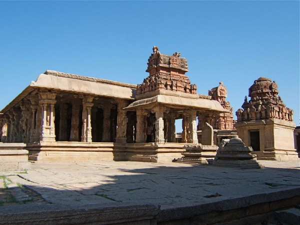 Hampi photos, Sri Krishna Temple - view
