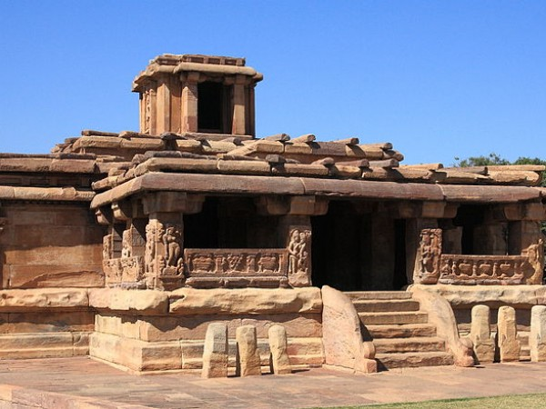 Aihole photos, Lad Khan Temple - Side view