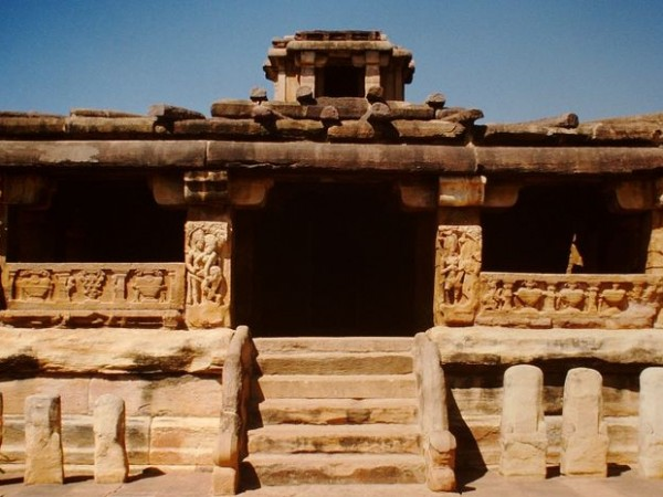 Aihole photos, Lad Khan Temple - Closer view