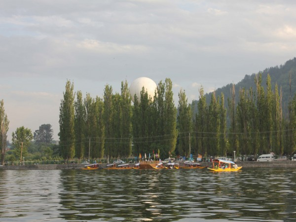 Srinagar photos, Dal Lake - The Beauty of Nature