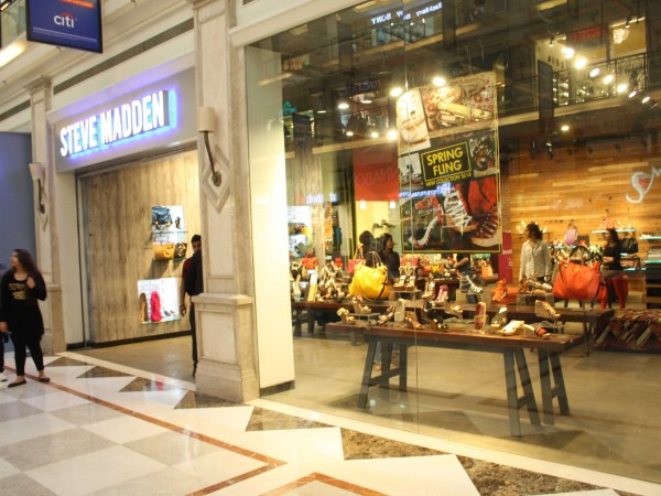 Delhi photos, Shopping in Delhi - DLF-Promenade Mall-4