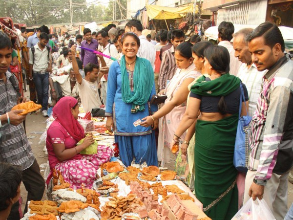 Delhi photos, Shopping in Delhi - Old Delhi-Festival Market-2