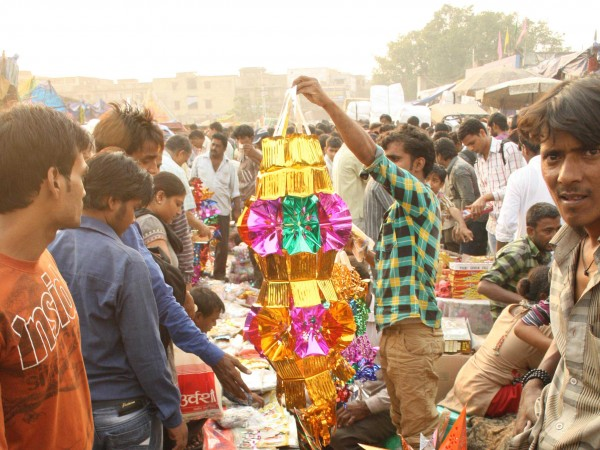 Delhi photos, Shopping in Delhi - Old Delhi-Festival Market-3
