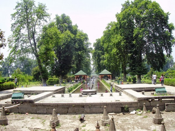 Srinagar photos, Shalimar Gardens - A beautiful Distance Gardens View