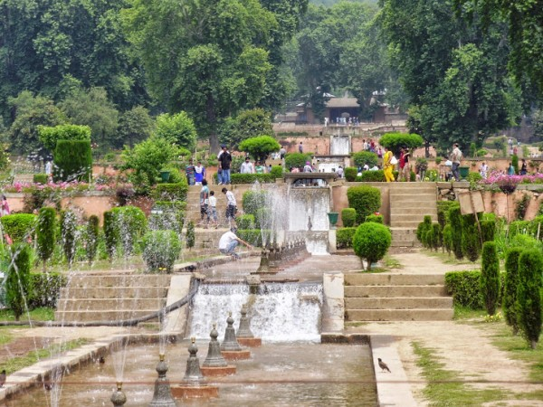 Srinagar photos, Shalimar Gardens - Distance View