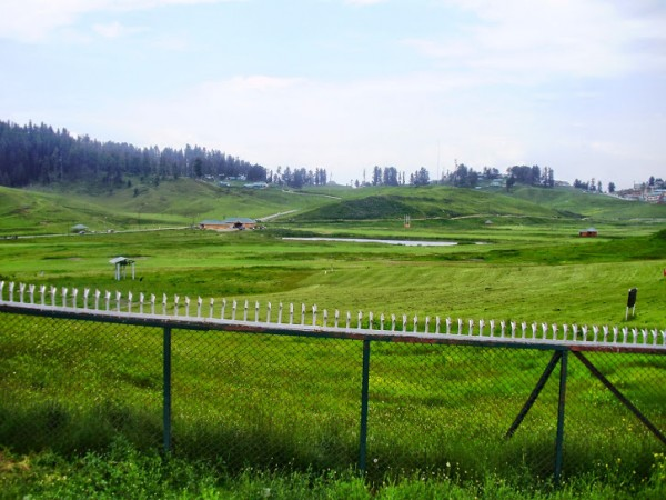Gulmarg photos, Distance view of the Snow Peak